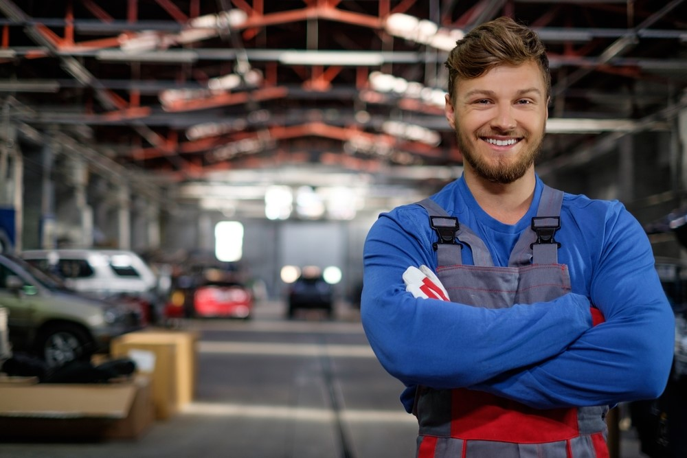 choosing an auto shop to get a satisfying car service main pic