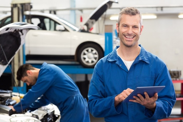 choosing an auto shop to get a satisfying car service